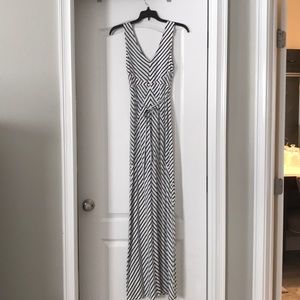 Motherhood Maternity maxi dress, size Petite Small